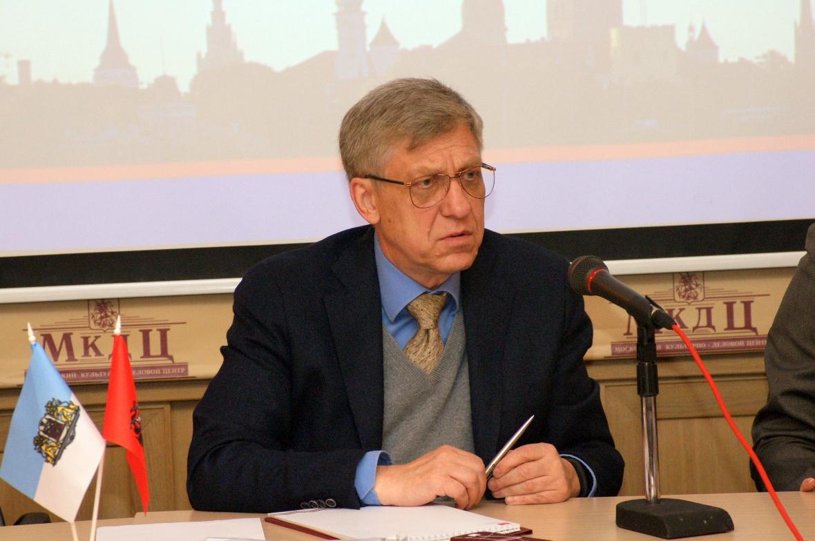 Надежда Кулятина Владимир Лебедев: МДС сотрудничает как с организациями — членами Координационных советов, так и с пока не вошедшими в КС ассоциациями соотечественников