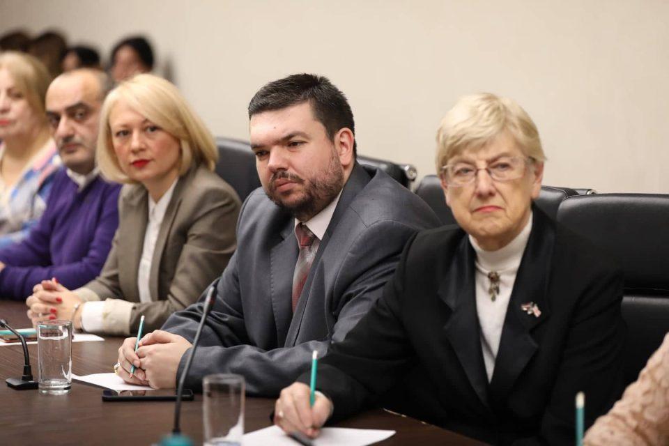 Встреча председателя Сакребуло Тбилиси с Координационным советом национальных меньшинств.