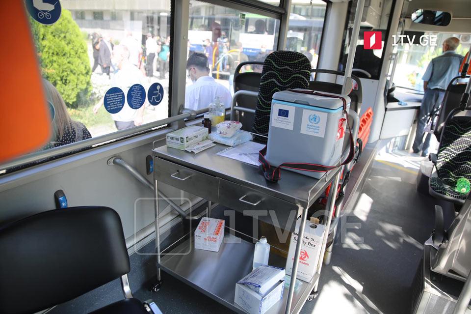 В пассажирских автобусах Тбилиси организовали вакцинацию